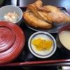 北海道・小樽市で、観光客にも大人気の「大きな若鶏半身揚げ」で有名なお店「なると 本店」に行ってみた!!~名物の「若鳥半身揚げ」はボリューム・インパクト共に最強だった~