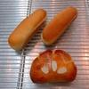 ホットドッグパンとクリームパン