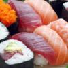 いつか心置きなく食べる日のために【お題:握ったり、回ったり。寿司】