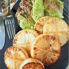 「レンジで温めて下茹でなし!」大根ステーキの焼き方と美味しいタレのレシピ
