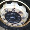 トラック前輪のボルトが折れた!
