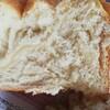 バター無し、牛乳インで食パンを焼いた。バター買ってられんから。