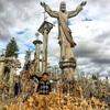【フォトジェニックな旅】ヴィリニュス十字架の丘へ@リトアニアシャウレイ