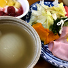 パン食の朝食・・手作りジャムのヨーグルトが美味しい