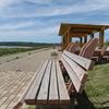 夕日が綺麗だという志賀町の「世界一長いベンチ」の昼間の魅力をさぐる
