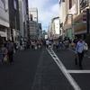 銀座の男夏市にぶらりと行って、ぶらぶら商品を眺めていたら、丸縫いスーツを買っていた