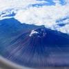 日本で最も富士山に近づける便。それはボンバルディアQ400で飛ぶ成田=名古屋NH491便だ!