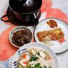 朝食:みそ汁と出汁まき玉子、土鍋で炊いたご飯