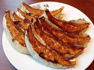 【銀座天龍】通常の倍サイズの大ぶり餃子が8個!名物餃子ライスは、ライスが足りなくてやはり酷だ、残酷です