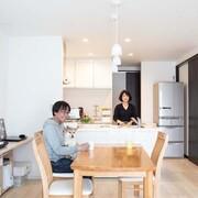 南向きの土地を活かし、できるだけ安く、希望を全て詰め込んだ二世帯住宅が実現
