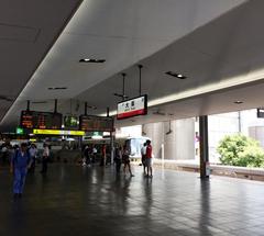 ★JR大阪駅環状線@2番乗り場