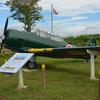 鶉野(うずらの)飛行場跡の展示:無蓋掩体壕とSNJ(T-6テキサン)