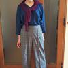 秋冬でも着られる大人のリネンシャツ|ボディラインが響かない厚みと通気性のベストバランス