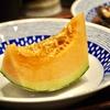 豊洲の「米花」で鰯の有馬煮、鶏と根菜の煮物、焼き鳥(つくね)、メロン。