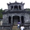 ベトナム、フエの現地ツアーで帝陵などを観光
