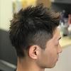 アッシュ系ブラウンは、オシャレ心と職場での影響とのバランスを考慮した髪色