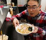 そばもうまいがラーメンはもっとうまい立ち食いそば店の話【東京ソバット団】