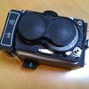 【中国製二眼レフカメラ・海鴎4B研究】(7)仰向けに置くと不安定でテーブルが傷つく問題