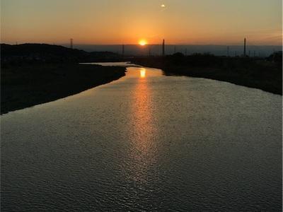 多摩川の夕日〜明日もいい日になりますように〜