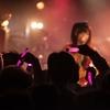 【画像あり】Fカップのシンガーソングライター藤田恵名のライブ写真がヤバすぎるwwwww