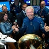 VirginのリチャードブランソンはAmazonのジェフベゾスに先駆けて宇宙に飛びます