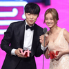 「tvN10アワード」人気俳優賞「ウンパル」リュジュンヨル・ヘリ、「愛する姿で会いたい 」
