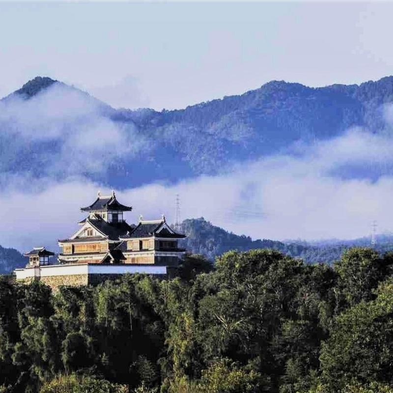 福知山城の5つの魅力を徹底解剖  墓石などを使った石垣とは?