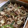 緑レンズ豆と豚の煮込み