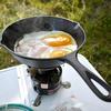 キャンプ飯 ソロキャンプ の朝食なら、スキレットでハムエッグが定番な気がする。