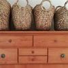 小さな変化で新しい雰囲気に。古い家具のプチリメイク♪