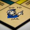 執行猶予中の男、ゲイに暴言を吐き刑務所に逆戻り