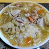 【今日の食卓】カオ・ラートナー。タオチオ(豆ベースの味噌様調味料)使用のあんかけご飯。普通ラートナーといえば米粉麺版を指す。ちょうど頭痛でお粥系が食べたくて以心伝心か。これが大好きという人はかなりのタイ料理通。 Khao Ratna. #タイ料理 #ThaiFood