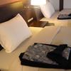 ホテルの枕(マクラ)の包み方ってどうやるの?旅館のピロー(まくら)カバー(ケース)を使ったベッドメイキングとは?