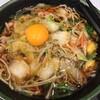 肉野菜そば  500円に、無料クーポン券を使って、生たまごを追加する。 (@ ゆで太郎 in 豊島区, 東京都)