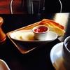 朝食のトーストは、ホテルのすべてを語る