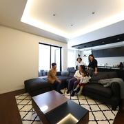 お互いの生活音を気にせず、6人が快適に暮らす二世帯住宅