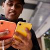 2018年新型iPhone「iPhone XR」は買うべき?選ぶ際に必要なカラー・大きさ・容量など、気になるiPhone XR情報をまとめました。