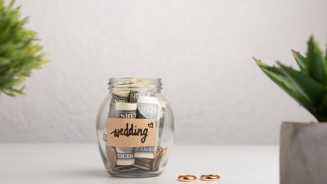 結婚前の貯金平均は約324万円!結婚で必要な貯金額とおすすめ貯金方法