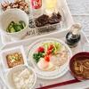 目玉焼き、納豆などの和朝食(実家)