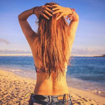 海で髪が傷む!その原因と対策をまとめました。海水浴でヘアダメージを抑える参考にして下さい。