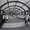 京都丸善へ行き、ヨドバシの橋を渡る