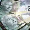 収入の多い順に並べると、異性愛者男性>ゲイ男性>レズビアン>異性愛者女性(カナダ研究)