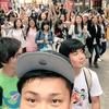 フィッシャーズが台湾でも大人気!女性ファンに囲まれた写真を公開