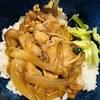 新玉ねぎと鶏胸肉のピリ辛甘酢炒め
