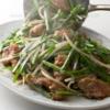 なんということはない、どの町にでもある中華料理屋のレバニラ定食が今尚僕の心を惹き続けるのはなぜだろう。