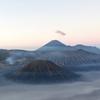 これは…インドネシアで一番の絶景では?みんなブロモ山へ行こう!