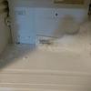 ワインボトルで氷の塊を片付ける・・冷蔵庫