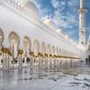アラブの「アブダビ」でシェイク・ザイード・グランドモスクで佇みたい