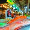 プーケットに来たら絶対に行くべきシーフードストリート。ラワイビーチ沿いで海鮮BBQを食べよう!【Mook Manee Dee Seafood】