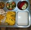 インドでの食事。沈黙と反省
